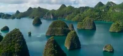 http://www.ejawantahtour.com/2014/05/mengenal-daerah-wisata-papua-barat.html