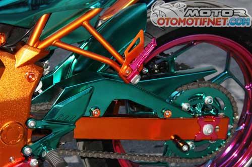 Modifikasi Kawasaki Ninja RR Full Chrome