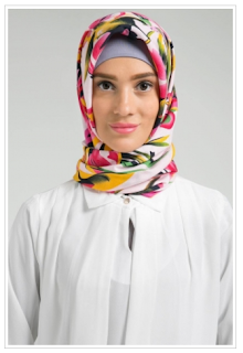 10 Koleksi Hijab Modern Terbaru Motif Floral Cantik Update
