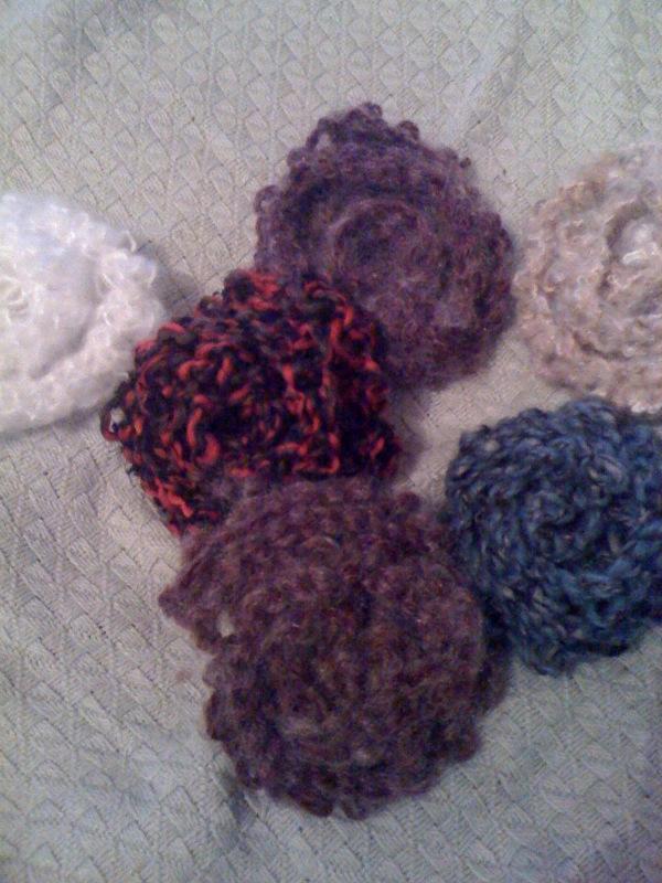 Knitted Flower Pattern Easy : WeAreWildThings: Easy knitted flowers