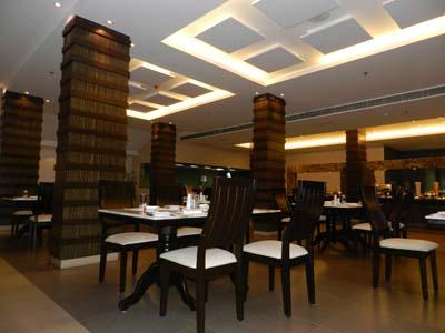 Radisson Blu Resort - Restaurant Upper Deck, Goa