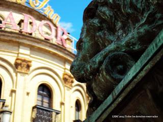 Monumento del Reloj del Gallo Azul