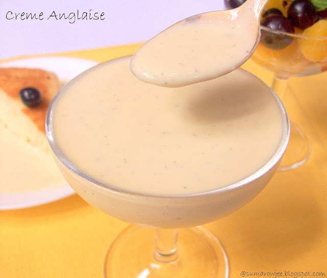 Creme Anglaise / English Custard Sauce / Homemade Custard Sauce