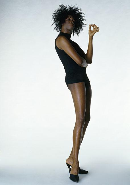 Paris fashion girl miss j alexander and her fierce legs for J alexander s boca