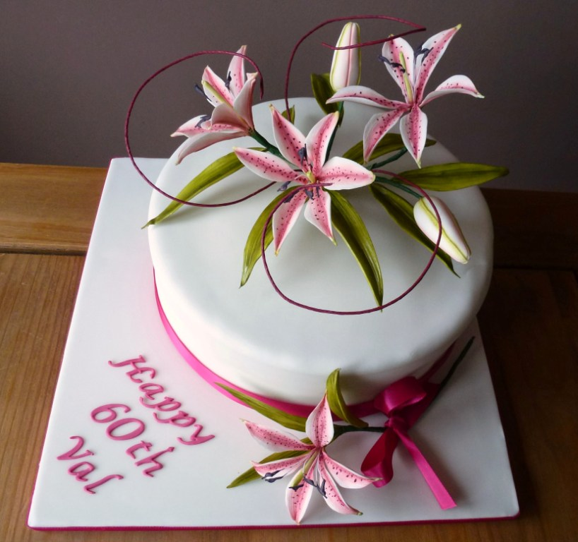 Lily Nail Cake Decorating : floral decorations: Lily Cake Designs
