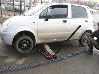 Переднее колесо заменили, теперь очередь за задним