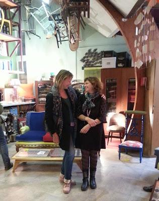 Mops et Jeanne dans son sublime showroom à Mozinor