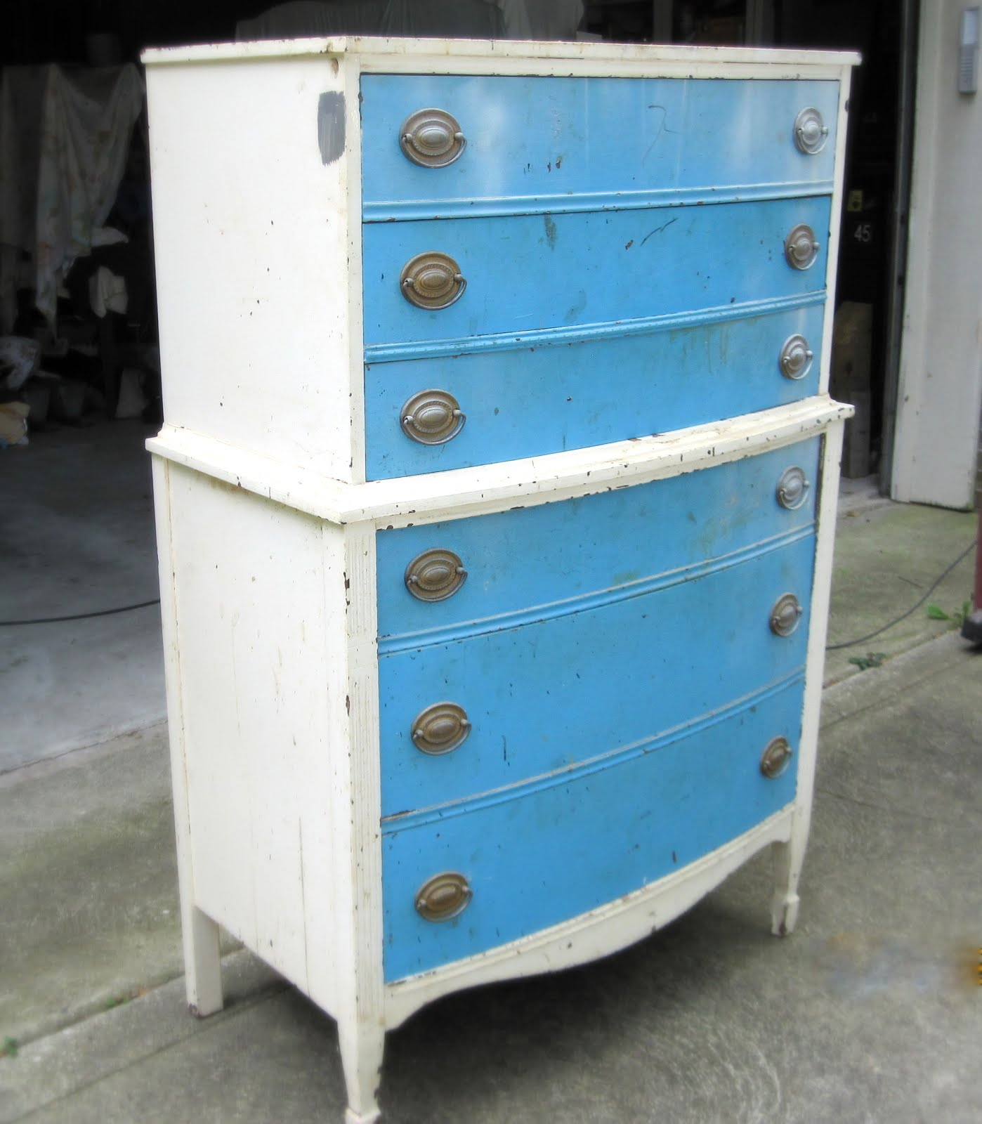 OMBRE Painted Dresser Tutorial   How To Refinish Old Furniture In 10 Easy  Steps!