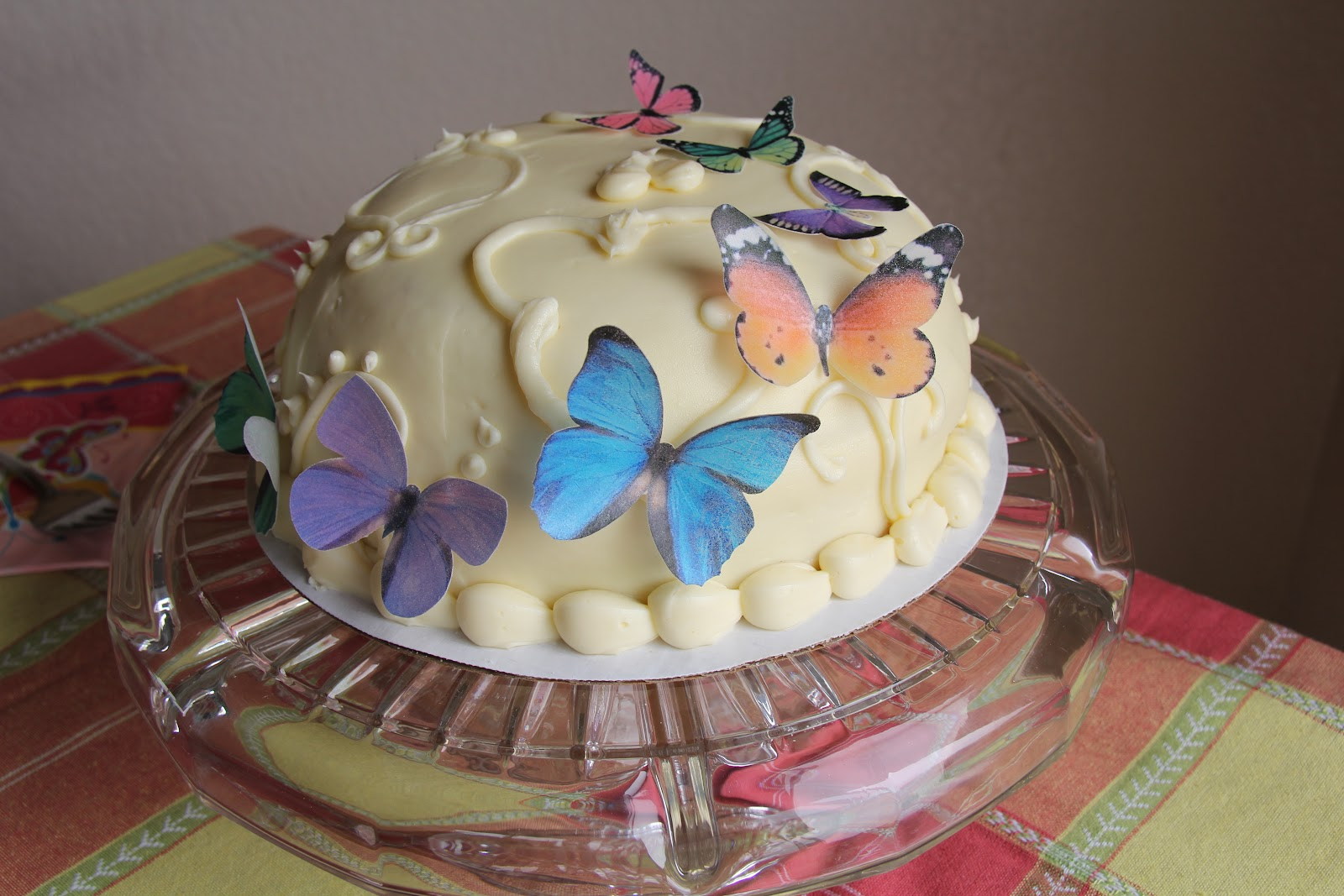 Express Your Creativity: Edible Butterfly Cake