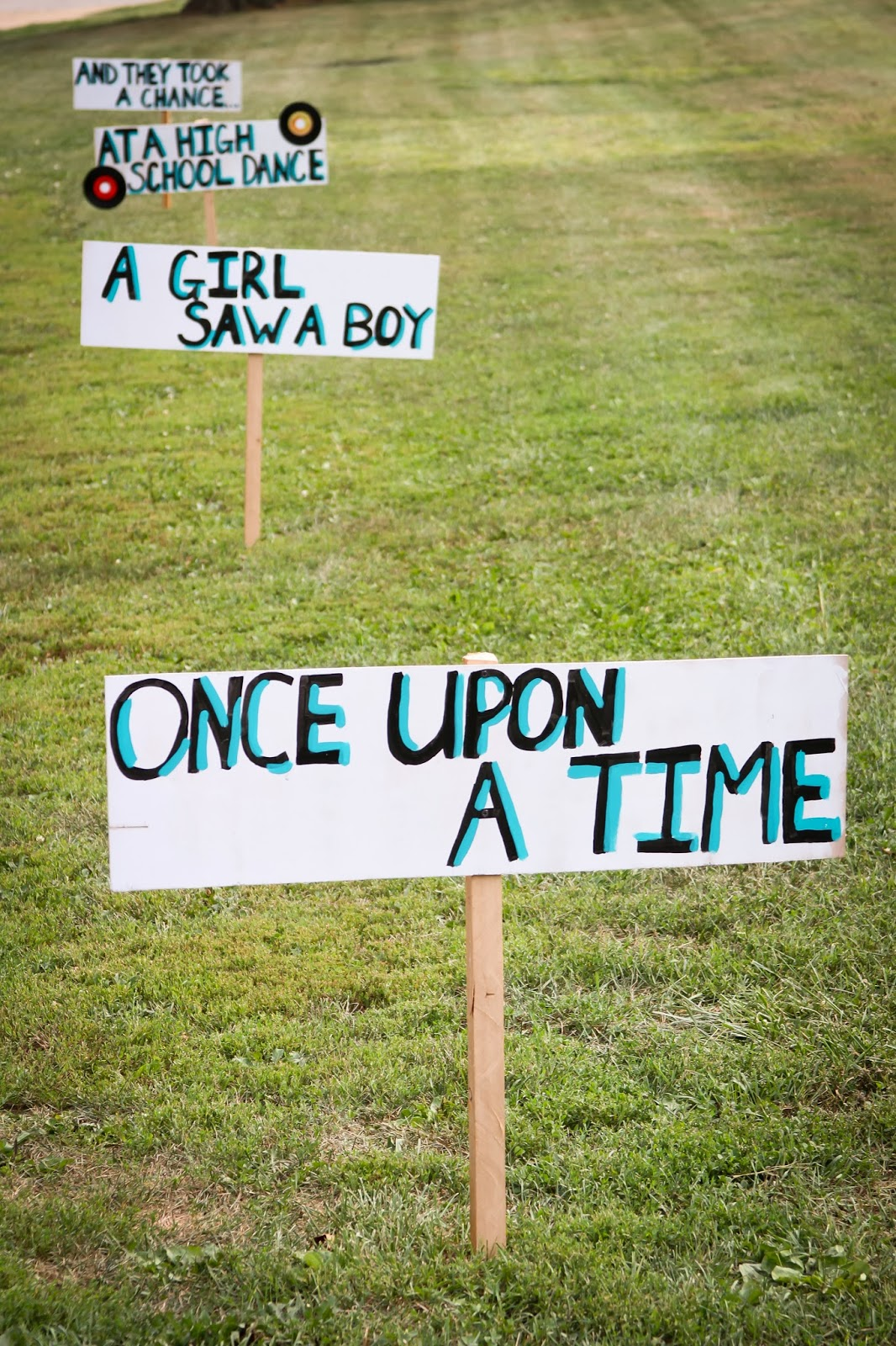 Queen of the house of boys 50th anniversary party decor for 25 anniversary decoration ideas