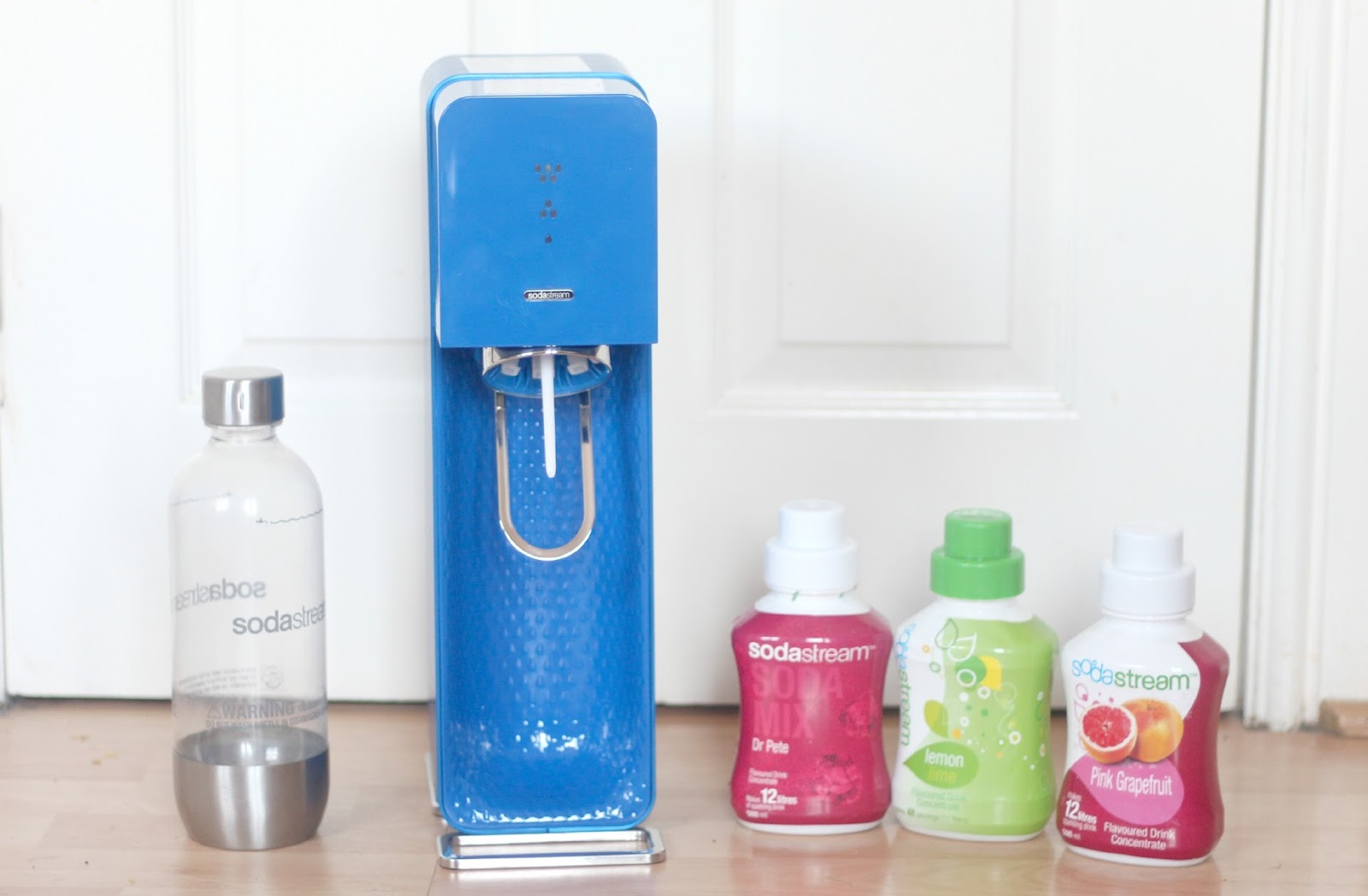 soda stream save 25 off any sodastream home soda maker. Black Bedroom Furniture Sets. Home Design Ideas
