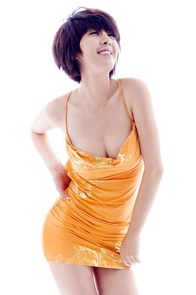 Model Lee Pa Ni