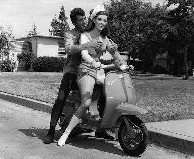 """Fotograma de la película """"Emboscada a Matt Helm"""" (Henry Levin, 1967)"""