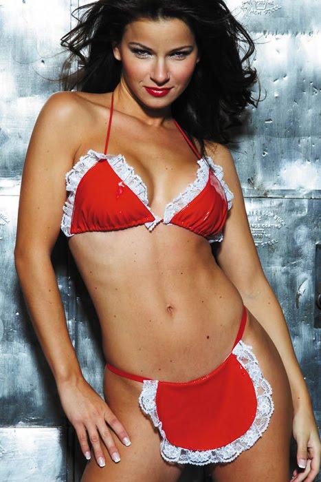 Zoe Saldana Bra Size image