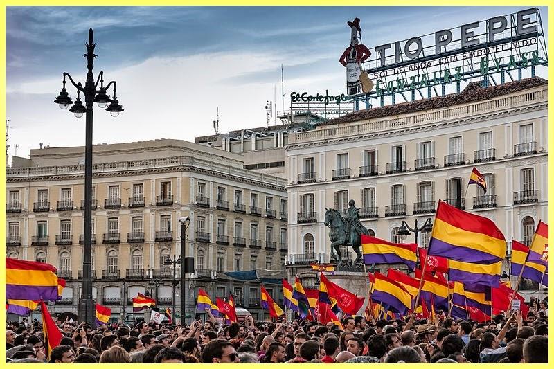 Manifestaciones en favor de la república en Madrid el día del anuncio