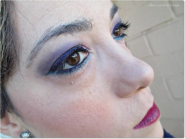 Maquillaje paso a paso: azul a ras de las pestañas inferiores