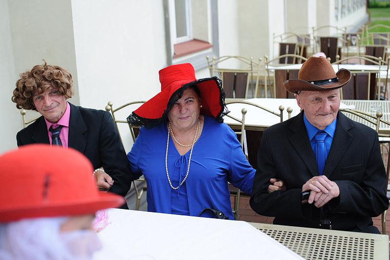 vestuvių stalo užsėdėtojai