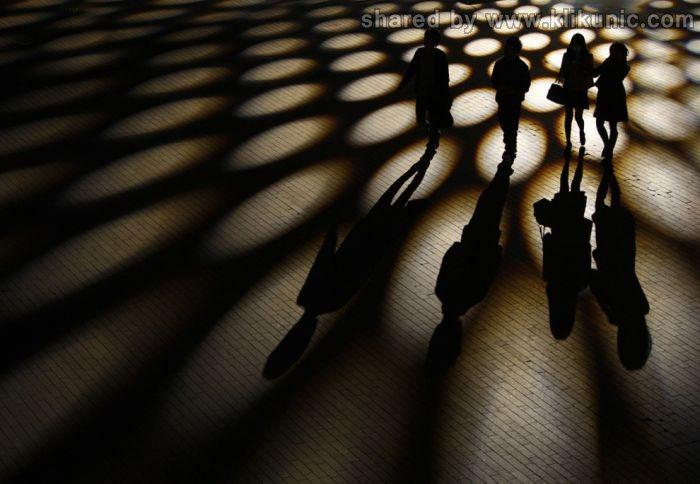 http://4.bp.blogspot.com/-1d76sOXJKcg/TX3nsGPIZXI/AAAAAAAARe4/9KNFs5187Lg/s1600/shadow_03.jpg