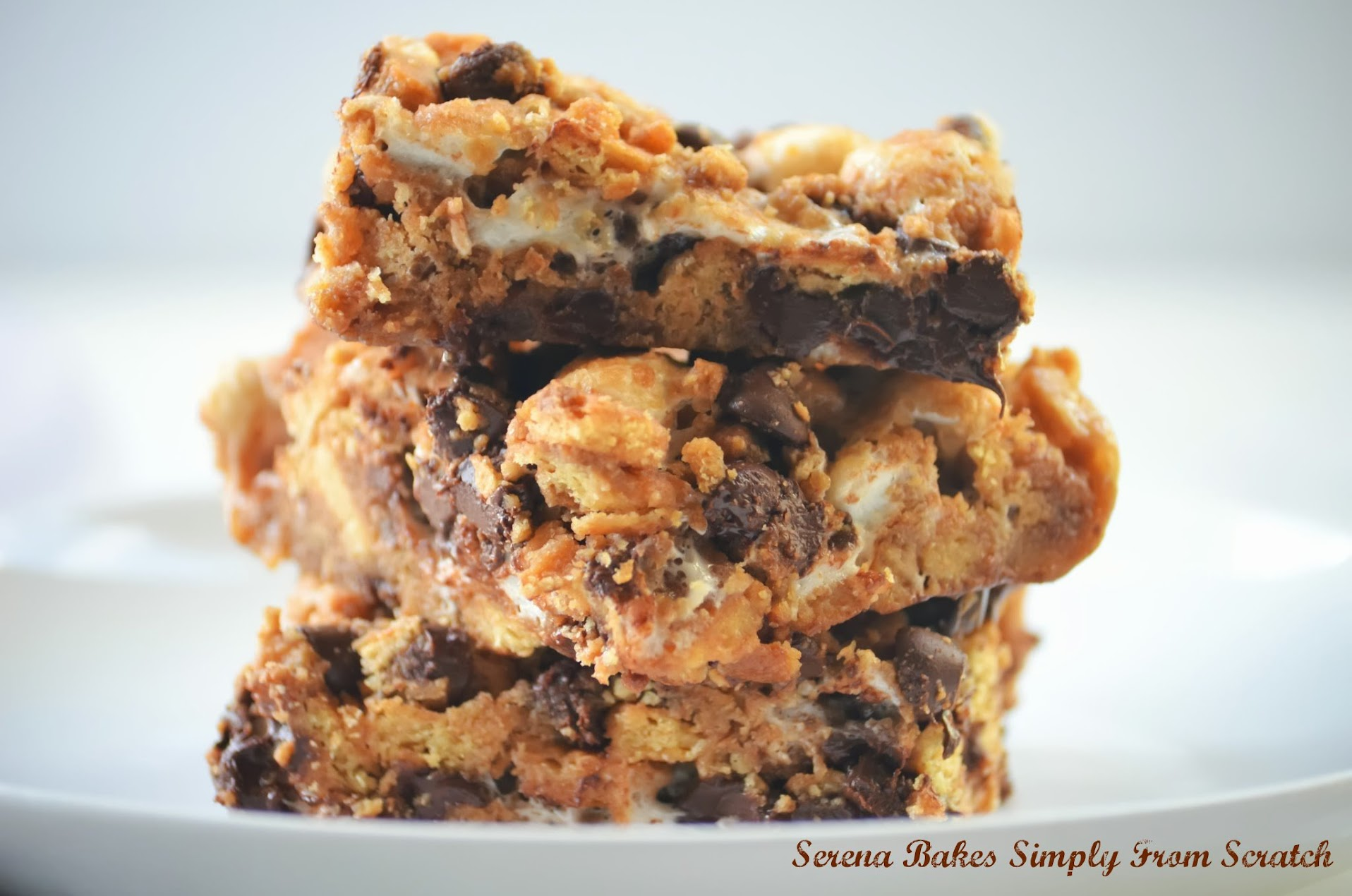 Quick-Smores-Cookie-Bars-Ooey-Gooey.jpg