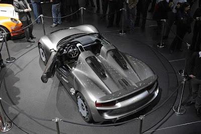2012 Porsche 918 Spyder 10