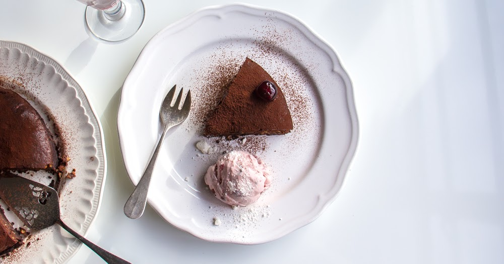 Hot & Chilli | food and travel blog: chocolate nut torte ...