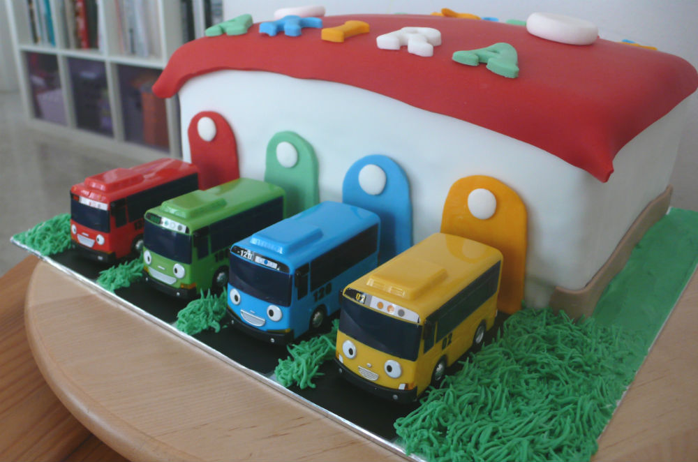 Debbies Little Sweets Tayo Buses Make Cool Cakes