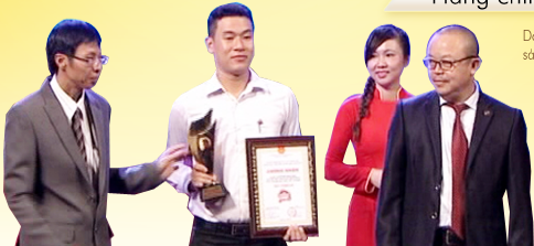 """Hoa Anh Đào nhận được giải thưởng """"Hàng chính hiệu - Thương hiệu chính hãng 2014"""