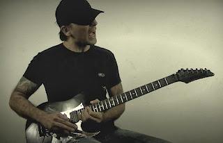 """Conheça o trabalho do guitarrista Dallton Santos. Guitarrista lança vídeo """"Rock Guitar"""", apresentando sua música """"Horus""""."""