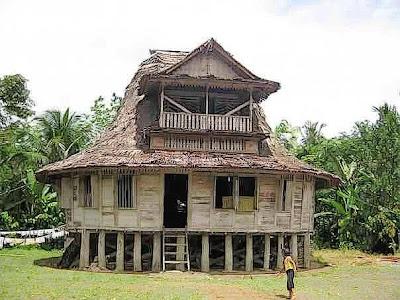 4 Rumah Adat Indonesia yang Tahan Gempa