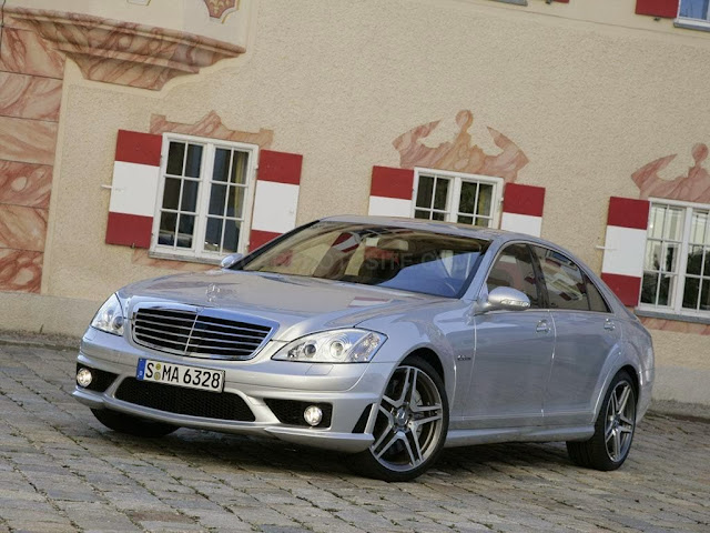 Mercedes-Benz S63 AMG Sedan Car Pictures