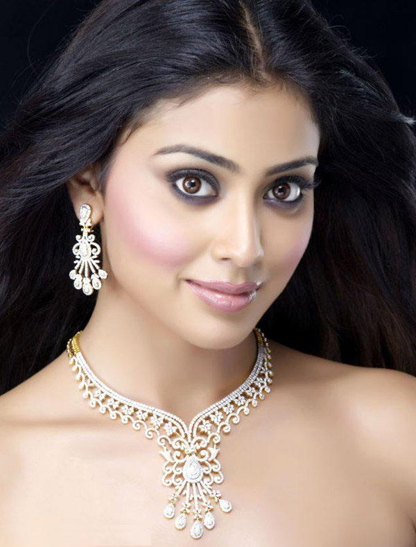 Actress Shreya Saran Jewellery Ad