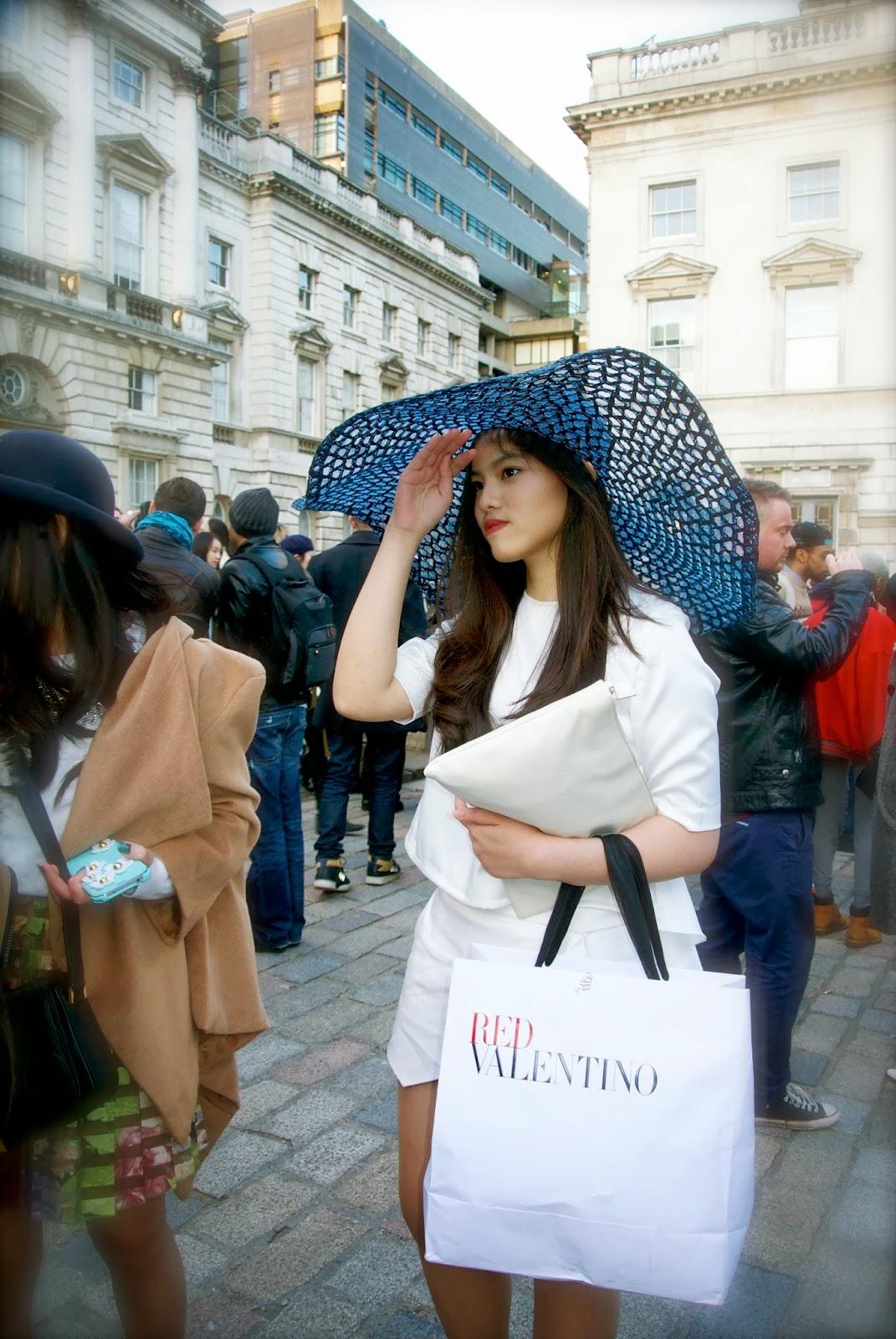 Street Style At London Fashion Week Aw14 Fashion Mumblr
