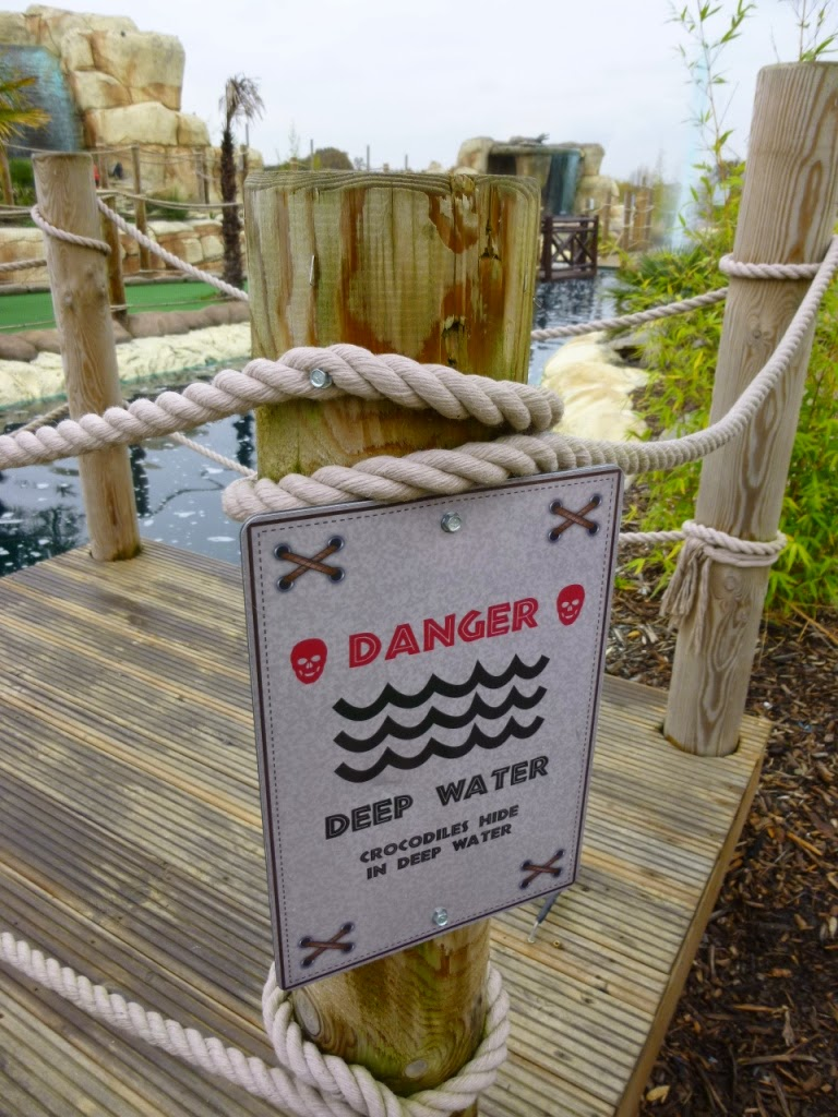 Always heed the warnings at a minigolf course