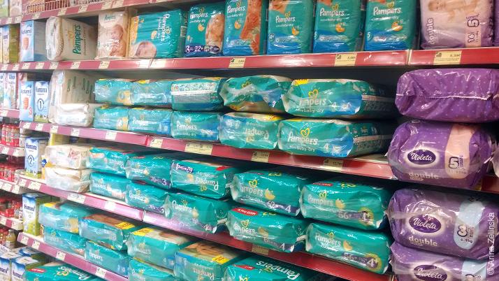 Подгузники в супермаркете Черногории