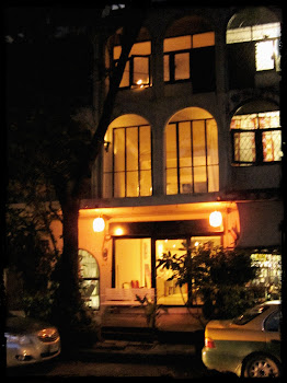 exterior/night