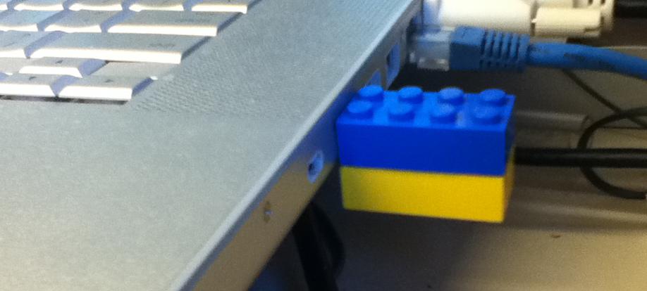 Upcycle Us: Upcycling a Lego brick into a USB key