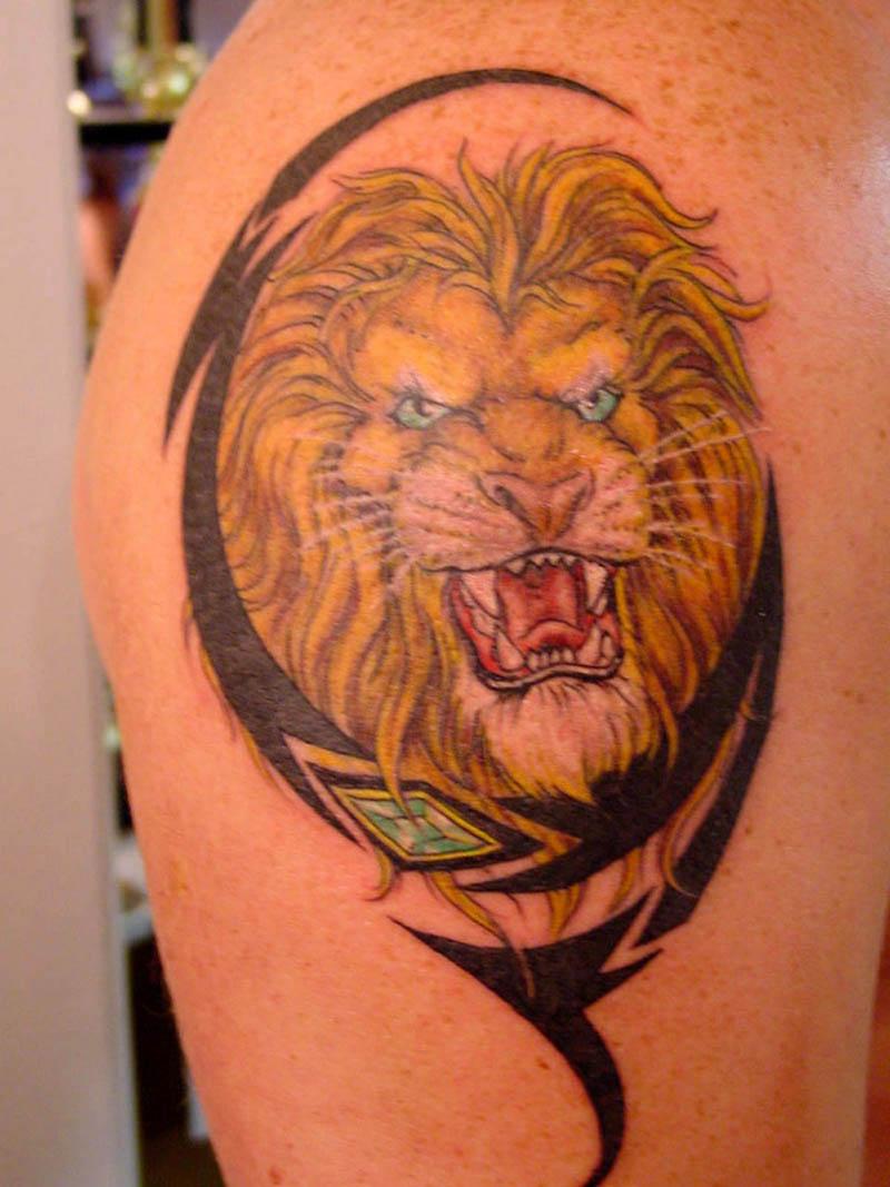 Тату льва на фото