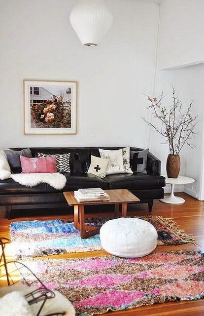 25 ideas de decoraci n de salas que poner al lado del sofa for Se puede poner una chimenea en un piso