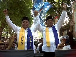 Pedagang Asongan Tagih Janji Ano - Aziz