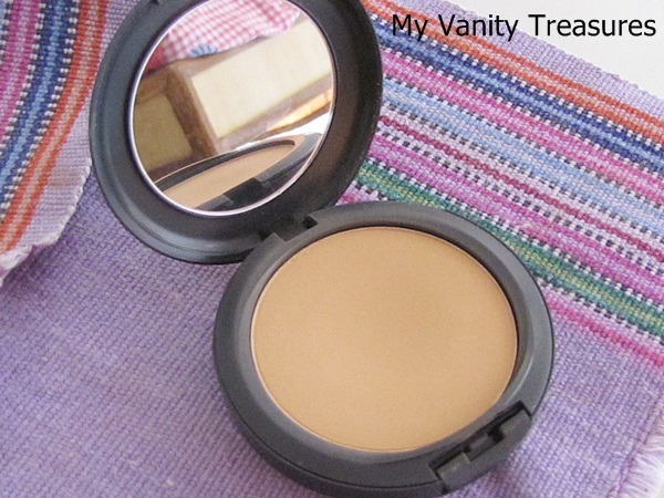 MAC Studio Fix Powder Foundation NC42