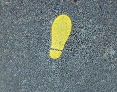 nehote stopim v sveže položen asfalt │ jezen sem nase │ nočem pustiti sledi