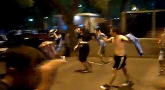 MIRA COMO FUERON ATACADOS LOS HINCAS DE BELGRANO POR LA POLICIA DE ROSARIO