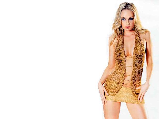 Imogen Bailey sexy in dress fashion
