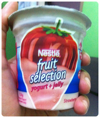 Nestlé Fruit Selection Yogurt+Jelly Strawberry