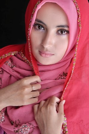 Fitria Sabban, Hijab Model