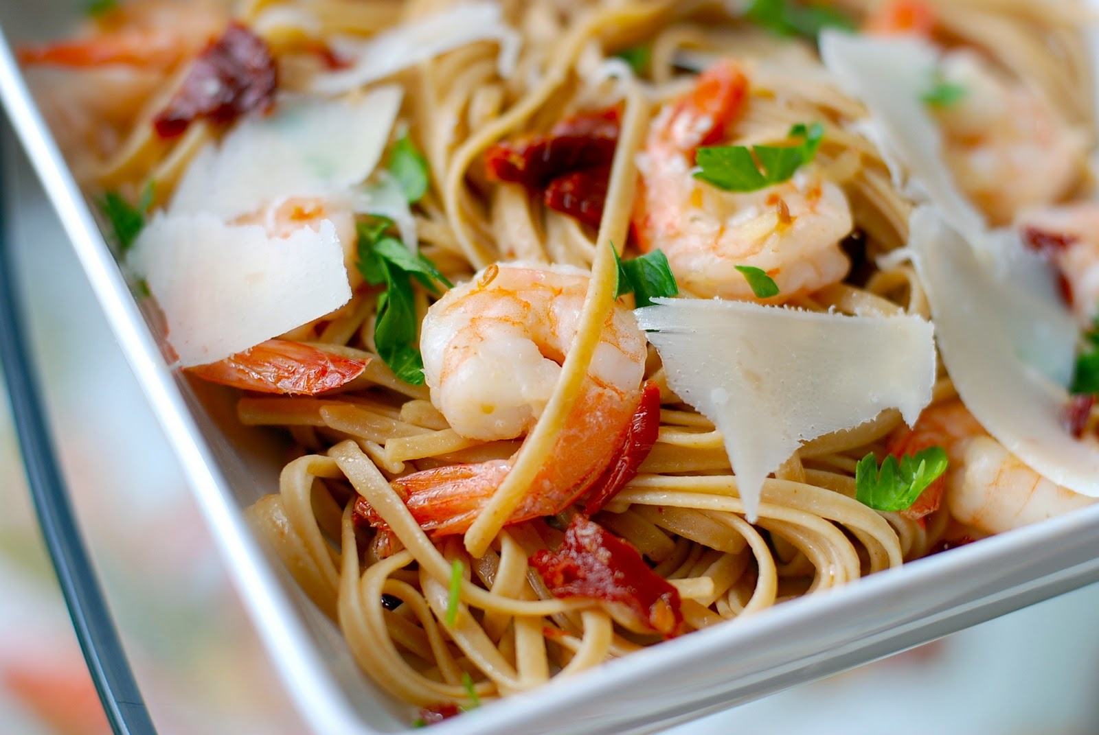 The Enchanted Cook: Shrimp Linguini with Garlic and Sun-Dried Tomatoes
