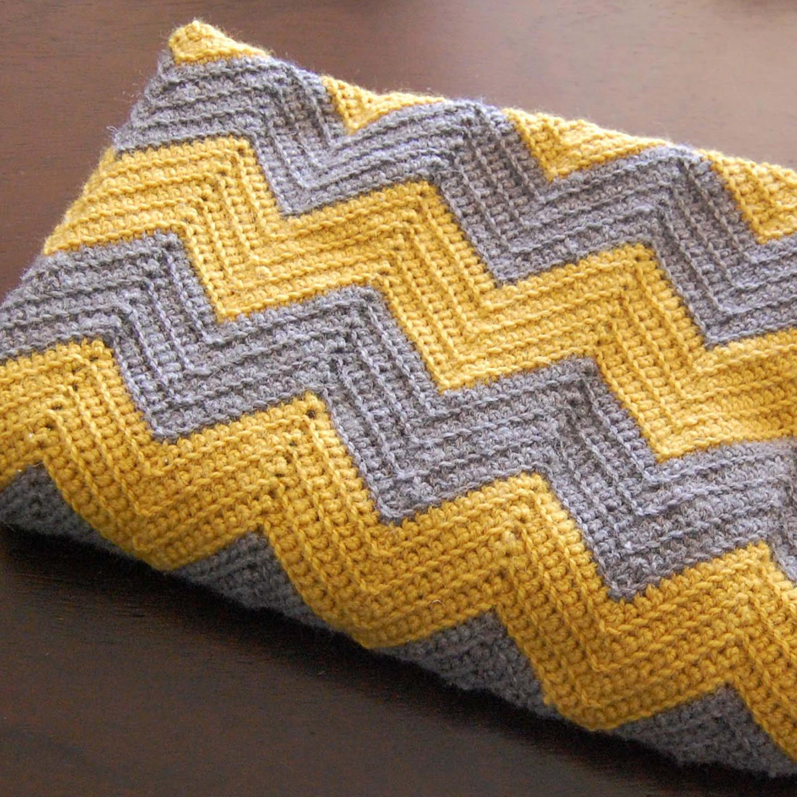 Free Pattern Crochet Chevron Baby Blanket : Yellow Dandy : DIY Crochet Chevron Baby Blanket