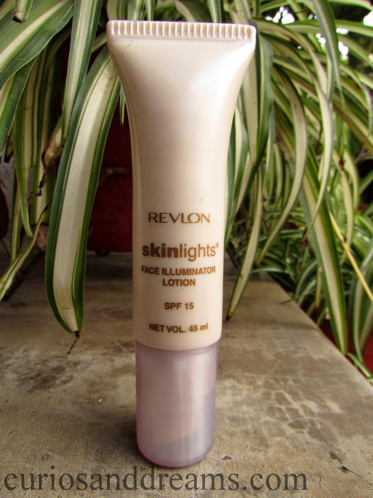 Revlon Skinlights Face Illuminator Lotion Review, Revlon Skinlights Illuminator Review