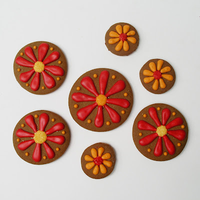 sugared centered flower cookies