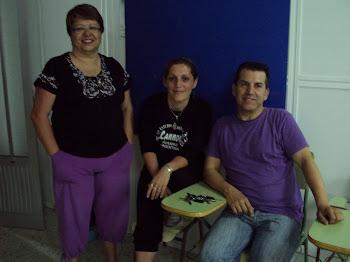 Nuestra directora : la profesora Natalia Rojas Vernetto, con Diego Felipe y Luisa Chico Pérez